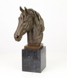 borstbeeld van paardenhoofd