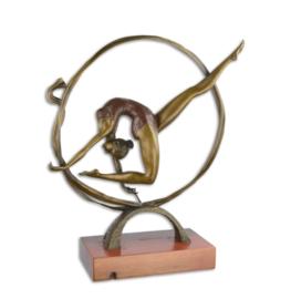 Bronzen beeld van een contortionist