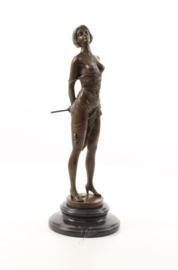 Bronzen beeld Genaamd de rijzweep