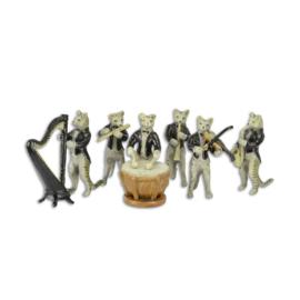 Een set van zes bronzen kat muzikanten