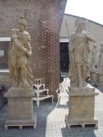 Stenen Romeinse krijgers als set