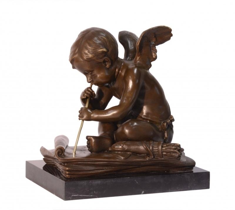 Bronzen beeld van Cupido