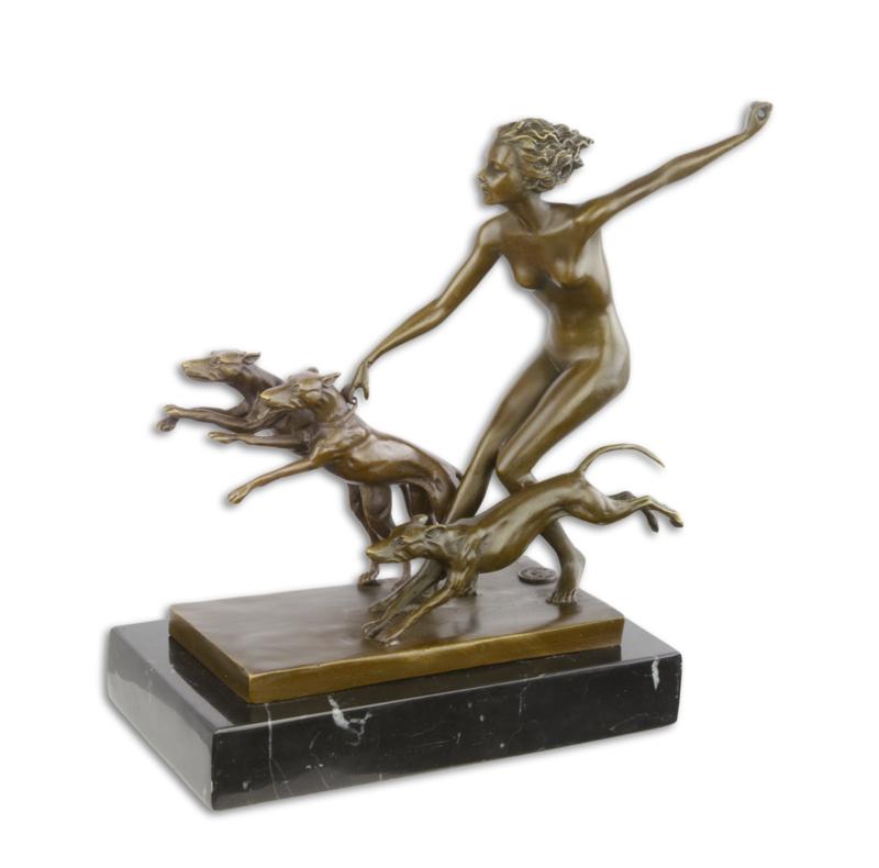 Een bronzen sculptuur GENOEMD SPRING FROLIC