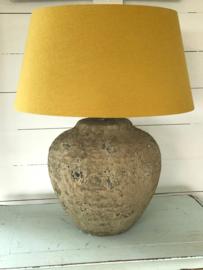 Stenen lampenvoet