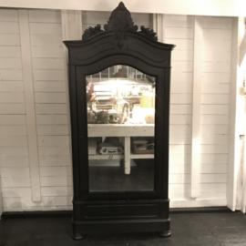 Black brocante cabinet