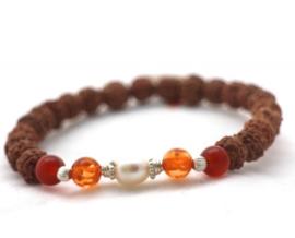 Armband met Rudraksha's, Carneool en Parels - Mala Spirit
