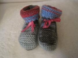 gebreide sokjes in grijs/blauw en roze