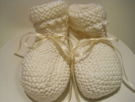 gebreide sokjes in off/white-creme