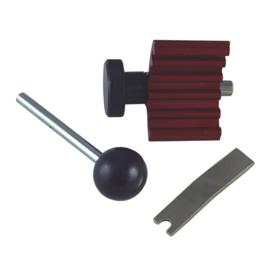 JBM Tools | Gereedschap voor blokkeren van de krukas met een staalplaat