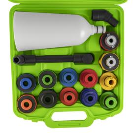 JBM Tools | EEN SET VOOR OLIE-VULLING MET EEN TRECHTER EN ADAPTERS