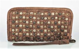 Vintage gevlochten leren phone-portemonnee-clutch studs all-over bruin