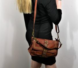 Vintage leren schoudertas / crossbody met decoratieve flap bruin
