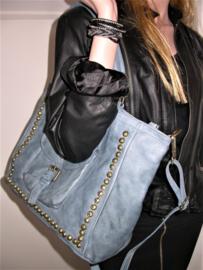 Vintage leren shopper tas met studs  en klepvak faded denim
