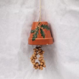 Vogelvoederpot met pinda's