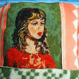 Kussenhoes van oude dekens - zigeunermeisje