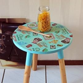 Bijzettafeltje met vintage pasta-print