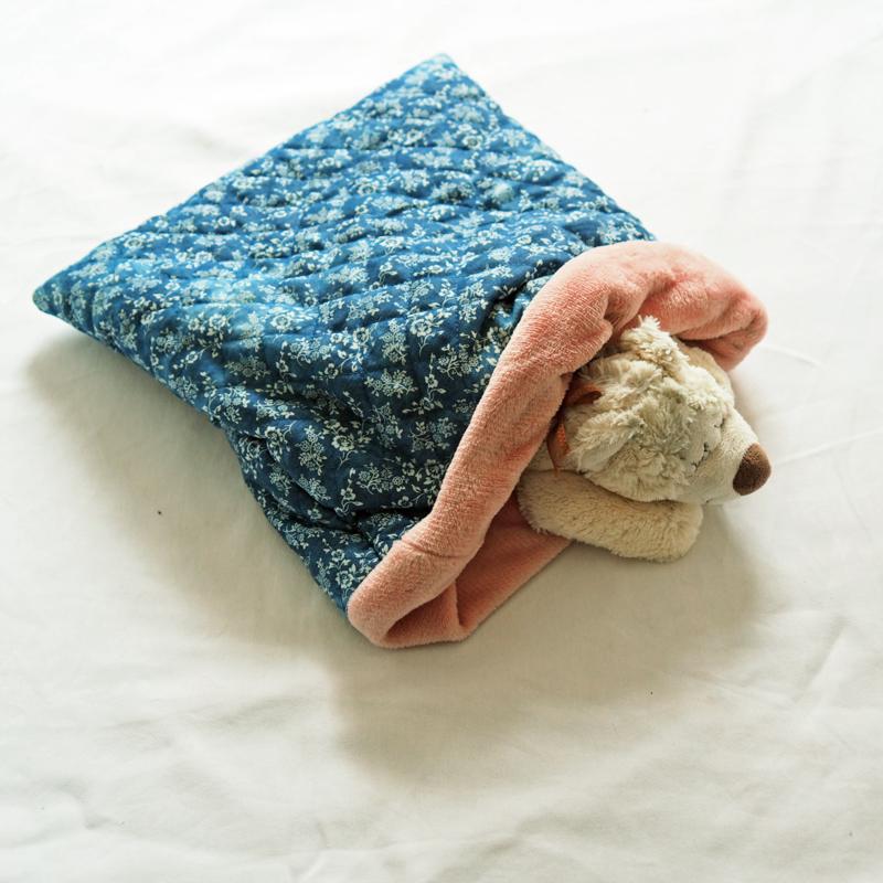 Slaapzak jeansblauw met roze