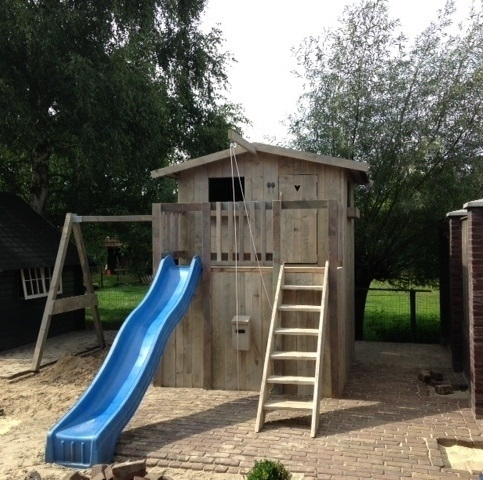 Steigerhouten speelhuis Max