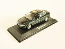 Ford Mondeo (1996) donkergroen metallic