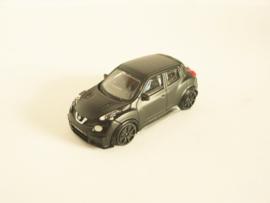 Nissan Juke R zwart