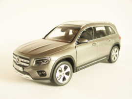 Mercedes Benz GLB (Mountain Grey)