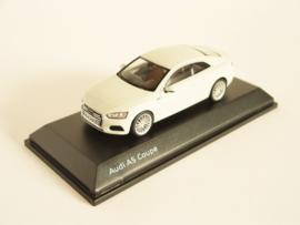 Audi A5 Coupé (Glacier White)
