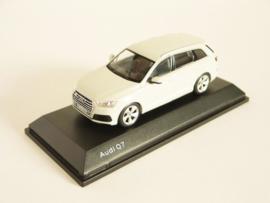 Audi Q7 (Glacier White)