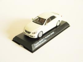 Toyota Mark X Premium (early) (White Pearl Crystal Shine)