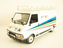 Fiat 242 (Abarth Rally Team Assistance) (1:18)