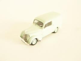 Renault Juvaquatre (1937)
