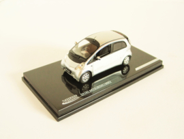 Mitsubishi iMiEV zilverkleurig/ wit