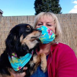 Mondkapje en bijpassend sjaaltje voor je hond!