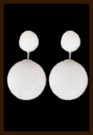 O570: Dubbelzijdige Oorbellen Snowball: Wit.