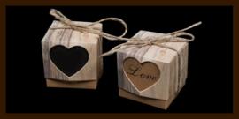 Geschenk Verpakking - Cadeau Doosje Hout Look: Hart LOVE.