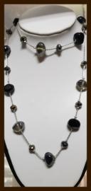 K09: Lange Ketting met Facet, Natuurstenen en Glaskralen.