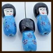 P915: Porselein Chinees Poppetje: Licht Blauw.