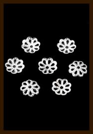 KRKZ.06: 20st. Zilverkleurige Filigraan Kralenkapjes van 7mm.