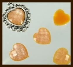 P078: Acryl Facet Geslepen Plaksteen Hartje van 10x10mm: Oranje.