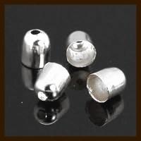 K08: Set van 2 Zilverkleurige Eindkapjes van 5x4mm, rijggat is 3.2mm.
