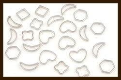 10st. R016: Nikkelkleurige Ringen met Figuurtjes Mix.