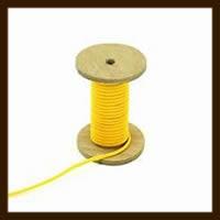 1 Meter Rubber Buna Koord Hol van 2mm: Geel.