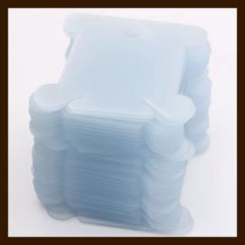 L012: 10st. Transparant Blauw Kunststof Labels-Kaartjes van 40x35mm.
