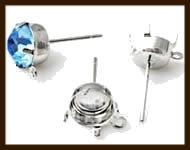 OS08: Set van 2st. Brass Oorbellen Stekers met 10x10mm Kastje en Vast Oog  (met stoppers).