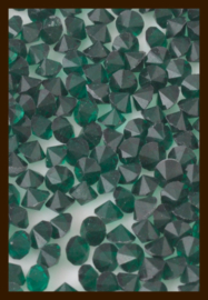 50st. Acryl Similisteentjes van 2.5mm: Smaragd Groen.