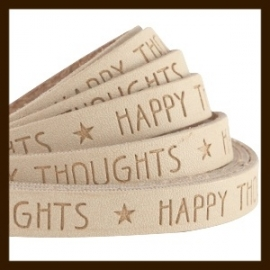 DQL663: 20cm Plat Imitatieleer van 10x2mm. Tekst: HAPPY THOUGHTS. Camel Brown.