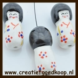 P921: Porselein Chinees Poppetje: Wit.