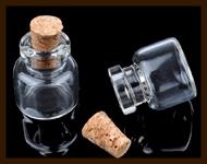 GF21: Glazen Flesje met Kurk van 23x16mm.