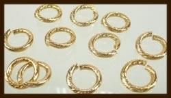 R02: Goudkleurige Ring: Aluminium Rond 12mm.