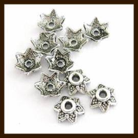 KRK.010: 10st. Tibetaans Zilveren Kralenkapjes - Kapjes van 7mm.