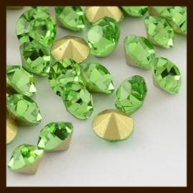 S.618: 100st. Glas Kristal Similisteentjes: Groen.